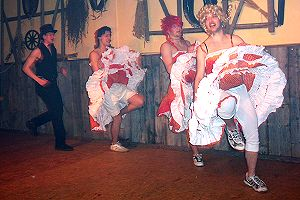 Frivole Omasex Party mit Drei geilen Weibern